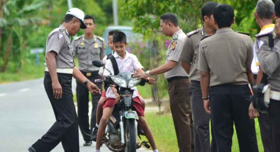 Pelajar Miliki Sabu-sabu Tabrak Polisi