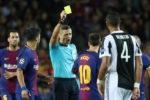 Wasit Beri Kartu untuk Messi