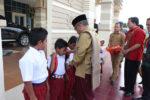 Wabup Aceh Besar SerahkanBantuan 800 Paket Sekolah