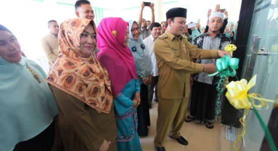 Bupati Aceh Besar Resmikan Puskesmas Kuta Baro
