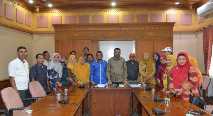 Ketua DPR Aceh Janji Perjuangkan Nasib Guru Honorer