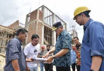 Tinjau Proyek Otsus di Aceh Tengah dan Bener Meriah