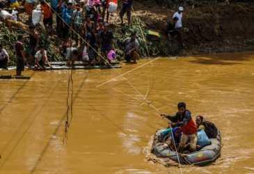 Komisi I Minta TNI Bantu Tangani Banjir