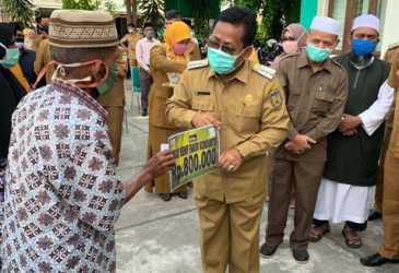 Wali Kota Salurkan Bantuan Rp4,9 M