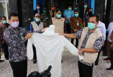 Bank Aceh Serahkan 760 APD untuk Garda Terdepan Covid-19