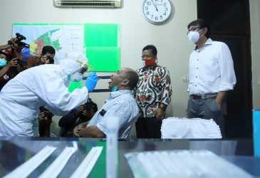 Walkot Banda Aceh Launching Tes Swab Corona Massal