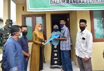 Pemerintah Aceh Serahkan Rumah Bantuan untuk Warga Madat