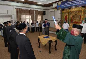 Plt Gubernur Lantik Anggota BPSK Aceh Utara