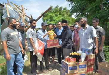 Korban Puting Beliung Terima Bantuan Masa Panik dari Pemko