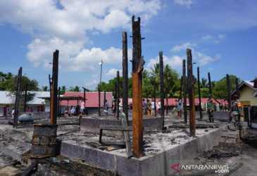 Puluhan Rumah dan Satu Masjid Terbakar