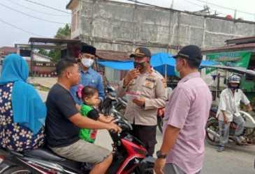 Gerakan Nakes Cegah Corona di Aceh Singkil Diisi dengan Bagi-bagi Masker