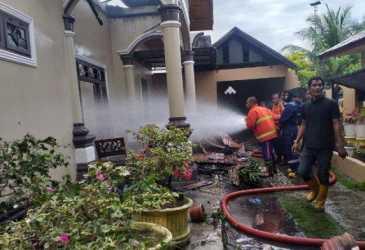 1 Rumah di Depan Kampus Umuslim Peusangan & 3 Sepmor Terbakar, Saat Kejadian tak Ada Orang di Rumah