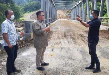 Asisten II Setda Aceh Pastikan Kemajuan Proyek Empat Unit Jembatan di Ruas Jantho-Lamno