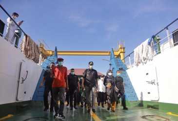 Gubernur Nova Uji Layar KMP Aceh Hebat 2 ke Sabang