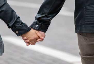 Empat Tips Hadapi Pasangan yang Posesif