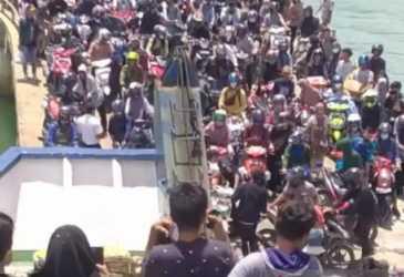 Ribuan Penumpang Mudik ke Simeulue
