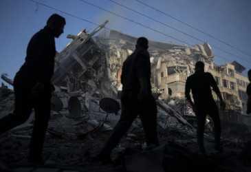 Runtuh Dihantam Rudal Israel