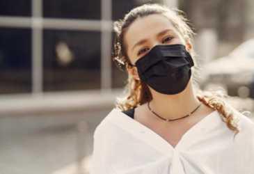 Pakai Masker Berisiko Terinfeksi Jamur Hitam?