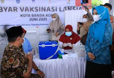 Ketua TP PKK Aceh Luncurkan Gebyar Vaksinasi Lansia