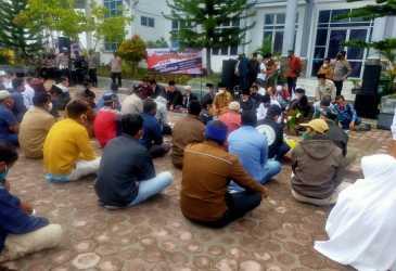 Masyarakat Bener Meriah Tolak Keputusan Gubernur Aceh