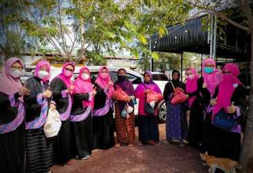 Pengurus PW IPEMI Aceh Berbagi dengan Masyarakat Miskin di Banda Aceh