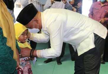 Dailami Ajak Anak Yatim Doakan Kesembuhan Abuya Sarkawi