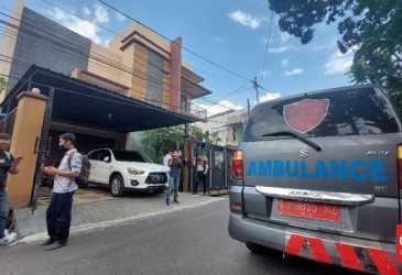 Rumah Didatangi Ambulans