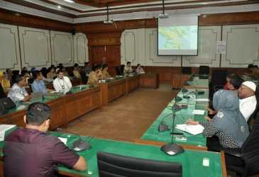 DPR Aceh Gelar Rapat dengan PLN Aceh