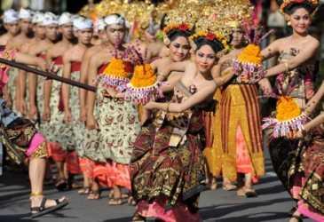Akan Perkenalkan Sastra Bali Kuno ke Milenial