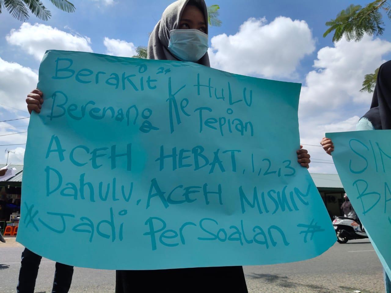 KMP Aceh Hebat Berlayar Diatas Penderitaan Rakyat